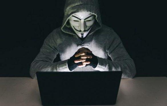 Un grup de hackeri publica datele personale a mii de agenti federali