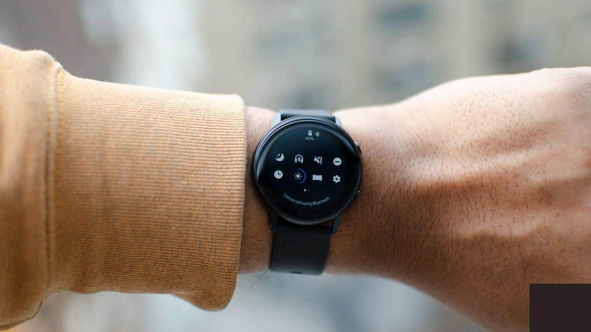 Samsung aduce One UI pe Galaxy Watch  si gama Galaxy Gear