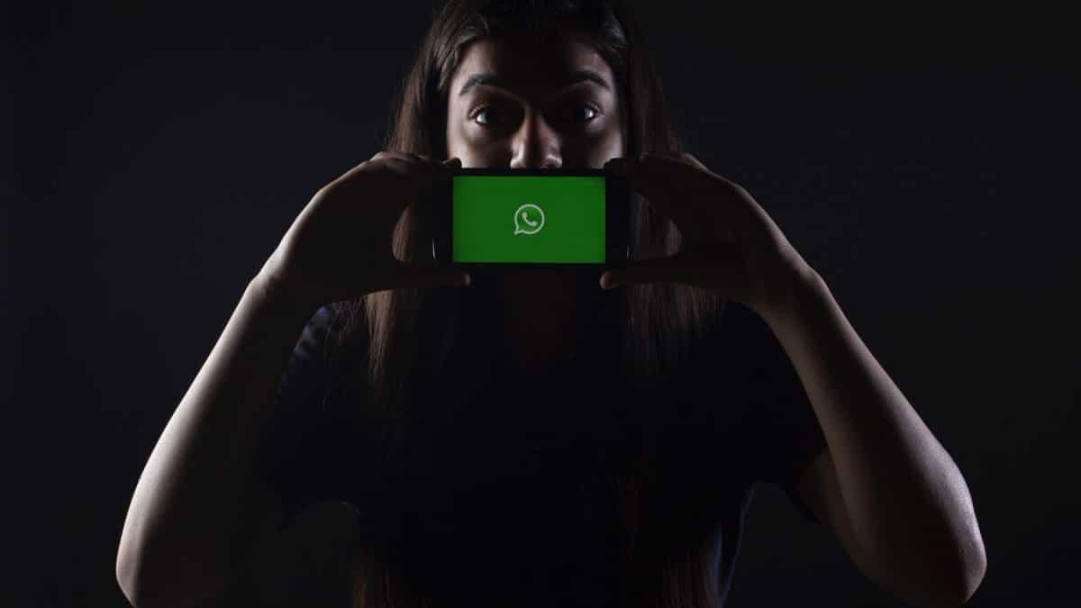 Hackerii au folosit Whatsapp pentru a spiona oficiali guvernamentali din peste 20 de tari
