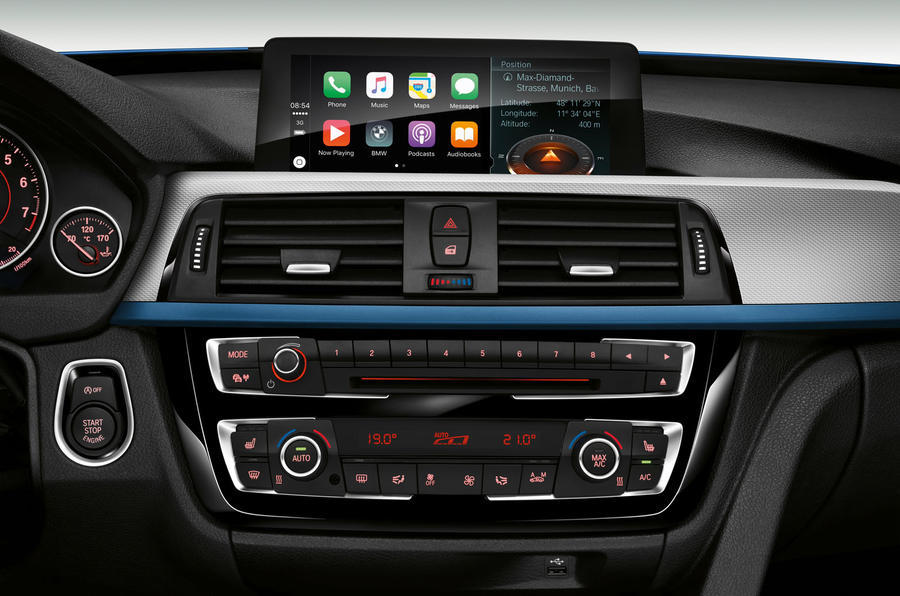 BWM renunta la taxa de abonament pentru Apple CarPlay