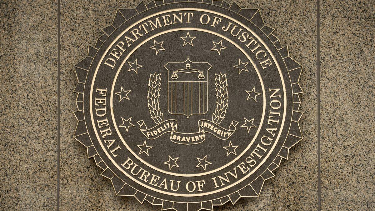 Agentii FBI au arestat 2 programatori care detineau cele mai mari site-uri ilegale de streaming