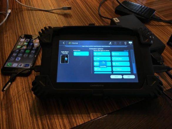 Politia din Scotia a primit gadget-uri care le vor permite sa deblocheze si sa acceseze automat telefoanele suspectilor