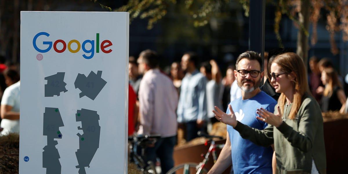 Google le-a cerut angajatilor din America de Nord sa lucreze de acasa