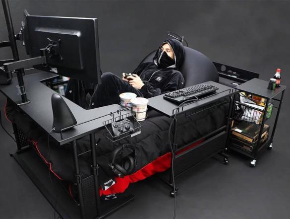 Scaunele si birourile de gaming nu sunt de ajuns? Faceti cunostinta cu patul de gaming!
