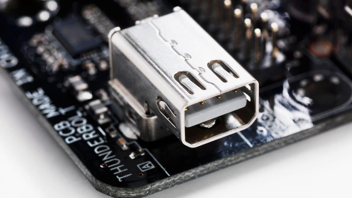Un defect recent descoperit care nu poate fi reparat permite hackerilor accesul in computerele de ultima generatie