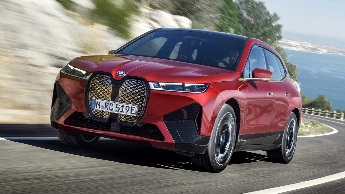 BMW iX, primul SUV electric al companiei, va fi lansat anul viitor